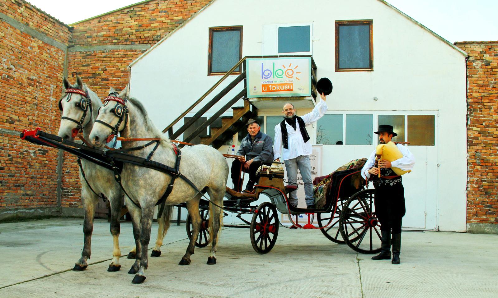 26-11-predsednik-grabovac-i-gajdas-na-fijakeru