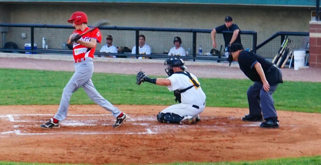 Serbian Baseball nacional team Srpski beizbol nacionalni tim u Americi. beizbol utakmca Srbija Oilmen Serbia Oilmen USA Srpska Televizija Cikago Serbian Television USA