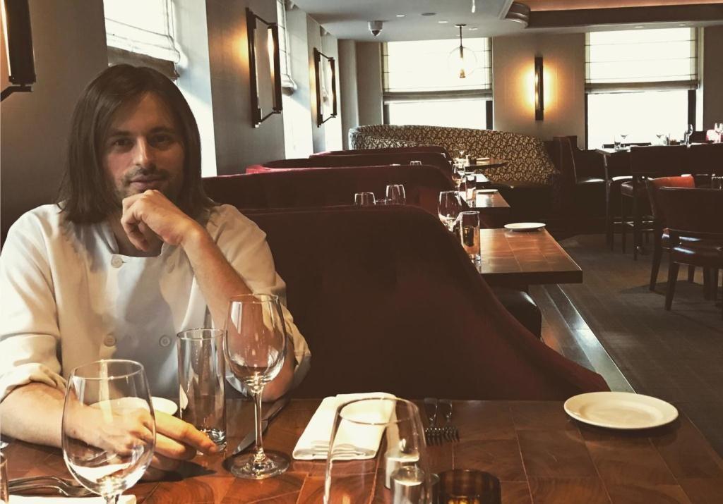 Aleksandar Sasa Sojic kuvar Michael Jordan restaurant