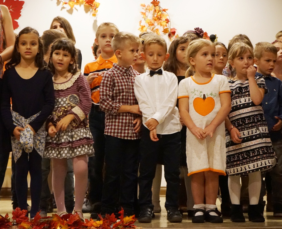 decija priredba u akademiji Sv. Sava u Čikagu.St Sava Academy Chicago - akademija Sveti Sava Cikago