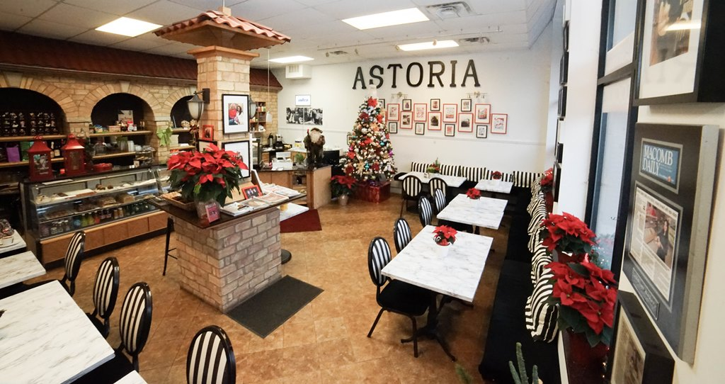 Astoria Café & Bakery Chicago IL. Astoria Cikago domaca kuvana jela, domaca hrana, torte, kolaci. 2954 W Irving Park, (773) 654-1033